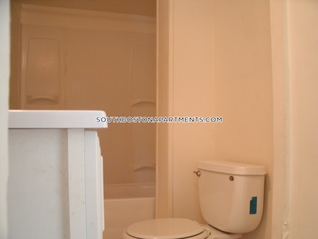 3 Beds 1 Bath - Boston - South Boston - West Side $3,000